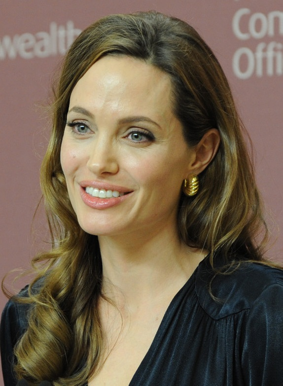 Angelina_Jolie_at_the_launch_of_the_UK_initiative_on_preventing_sexual_violence_in_conflict,_29_May_2012_(cropped)