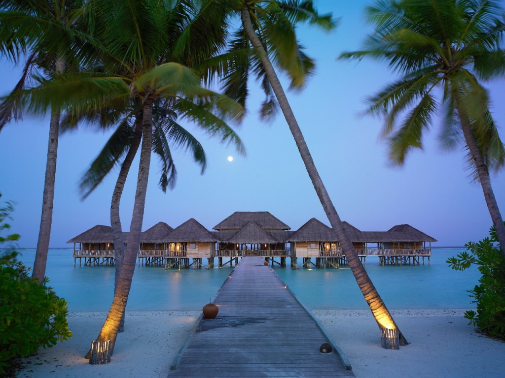 Sunset-in-the-Maldives