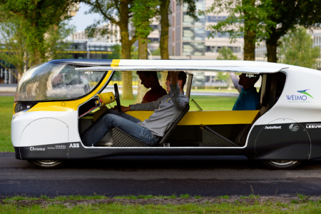 stella-worlds-first-solar-powered-family-car05